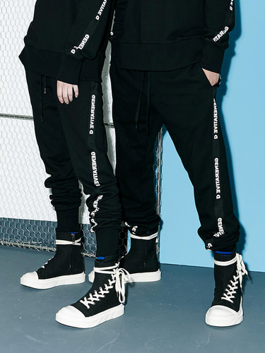 [Season Off 50% 세일]Twist Tape Jogger Pants (BK)