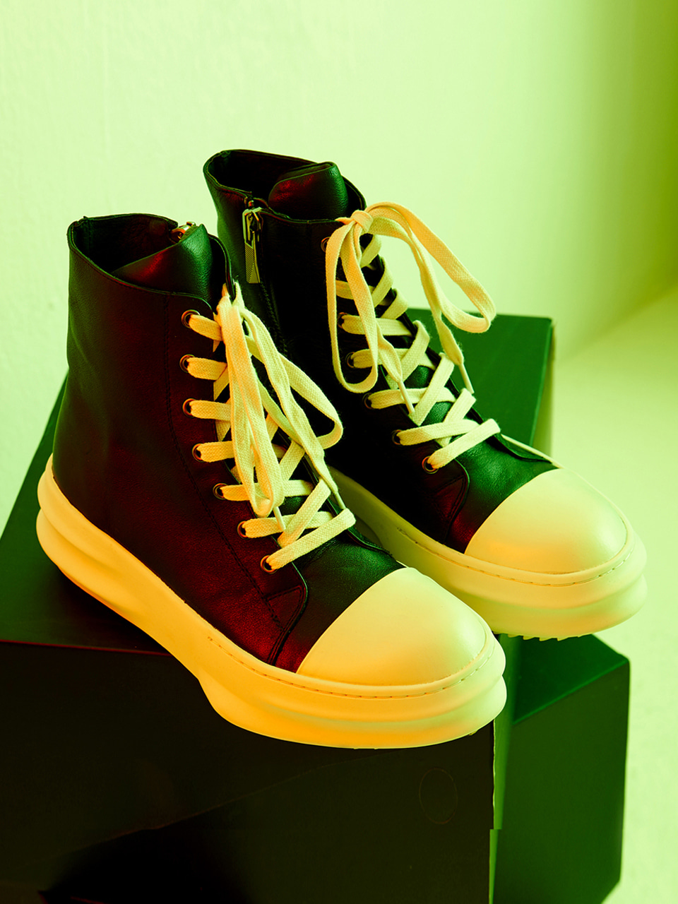 [시즌오프 30% 세일]Front Lace-Up Leather High Top (IV)