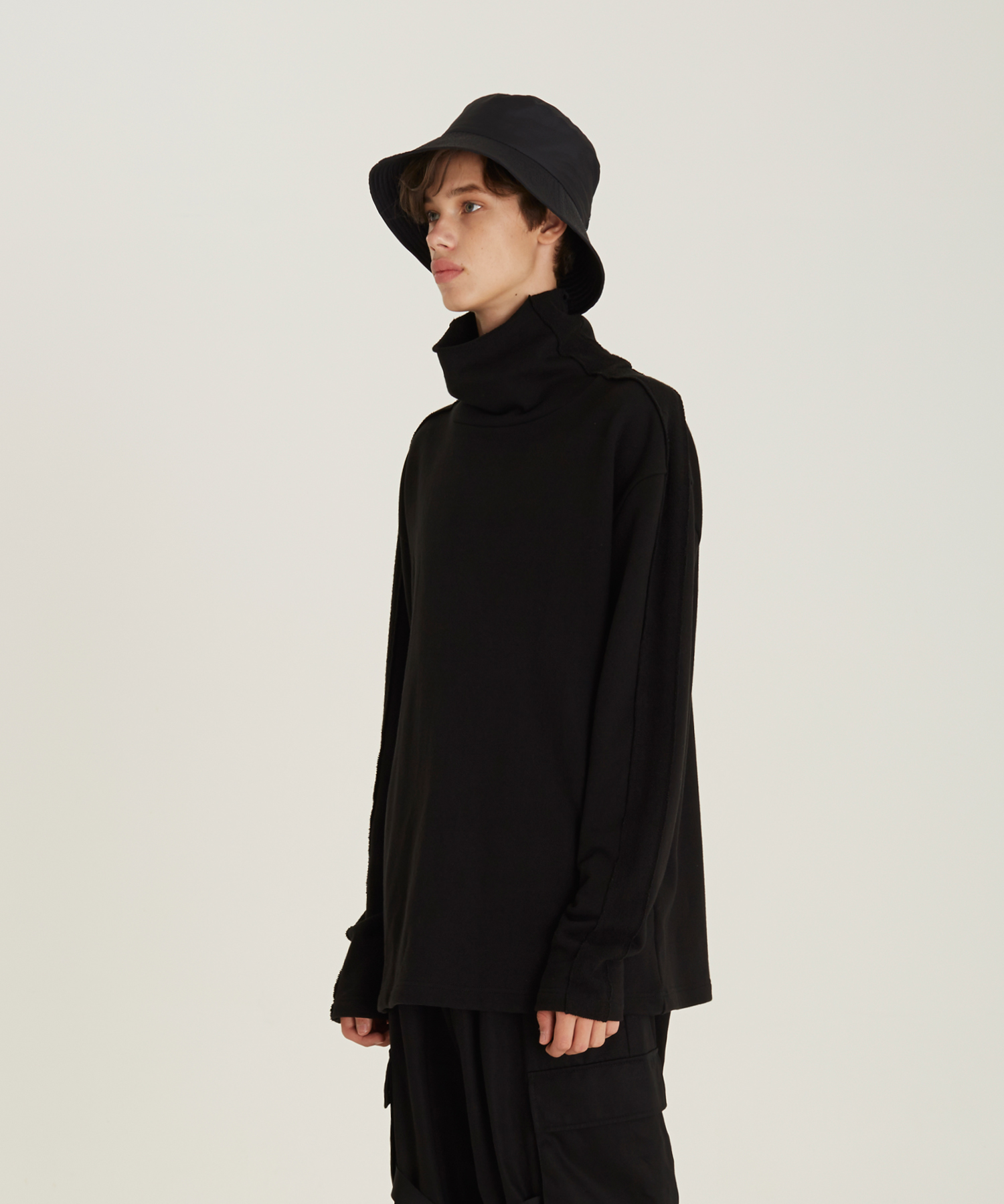 [18FW][50% 세일] High Neck T-Shirts(BK)