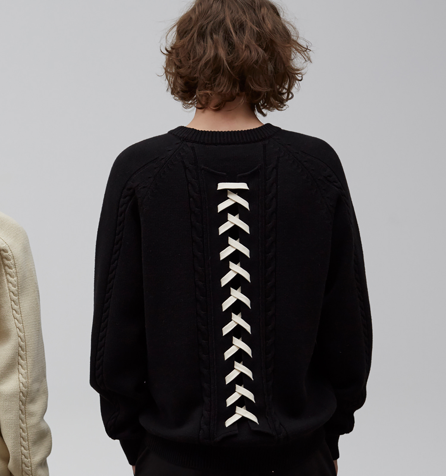 [19S/S] Pretzel Back Lace-up Knit (BK)