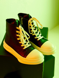 [Season Off 20% 세일]Front Lace-Up Leather High Top (BK)
