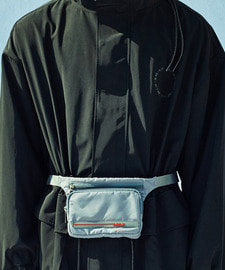 [D-7 20% SALE]Rubber Wappen Waist Bag (GE)