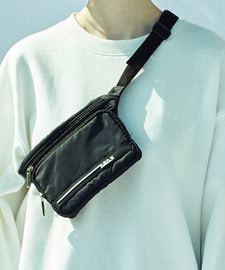 [D-7 20% SALE]Rubber Wappen Waist Bag (BK)