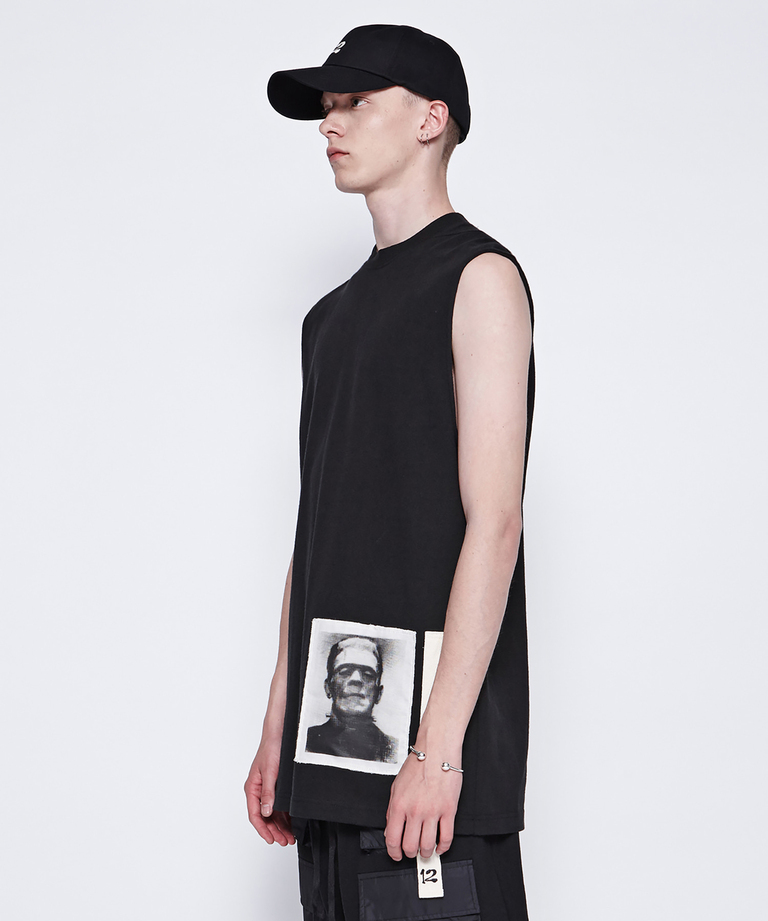 [DGNAK12][30% 세일] Frankenstein Sleeveless T-Shirts (BK)