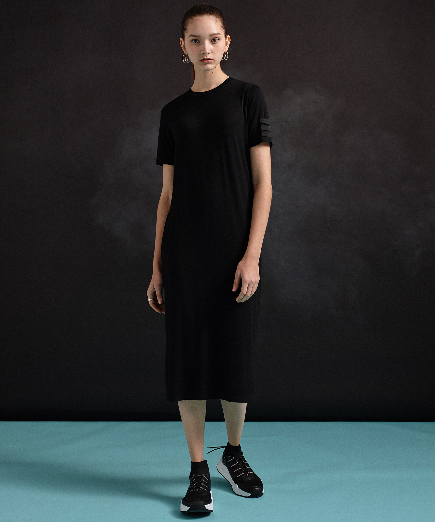 [DGNAK12,illi] Sleeve Label One-Piece (BK)