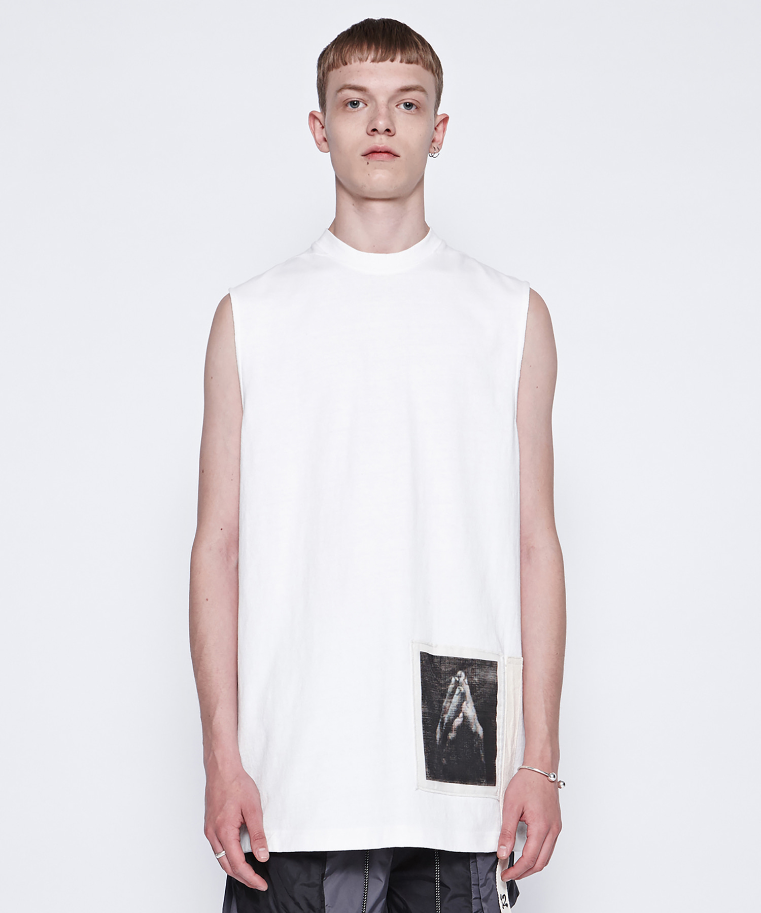 [DGNAK12][30% 세일] Pray Sleeveless T-Shirts (WH)