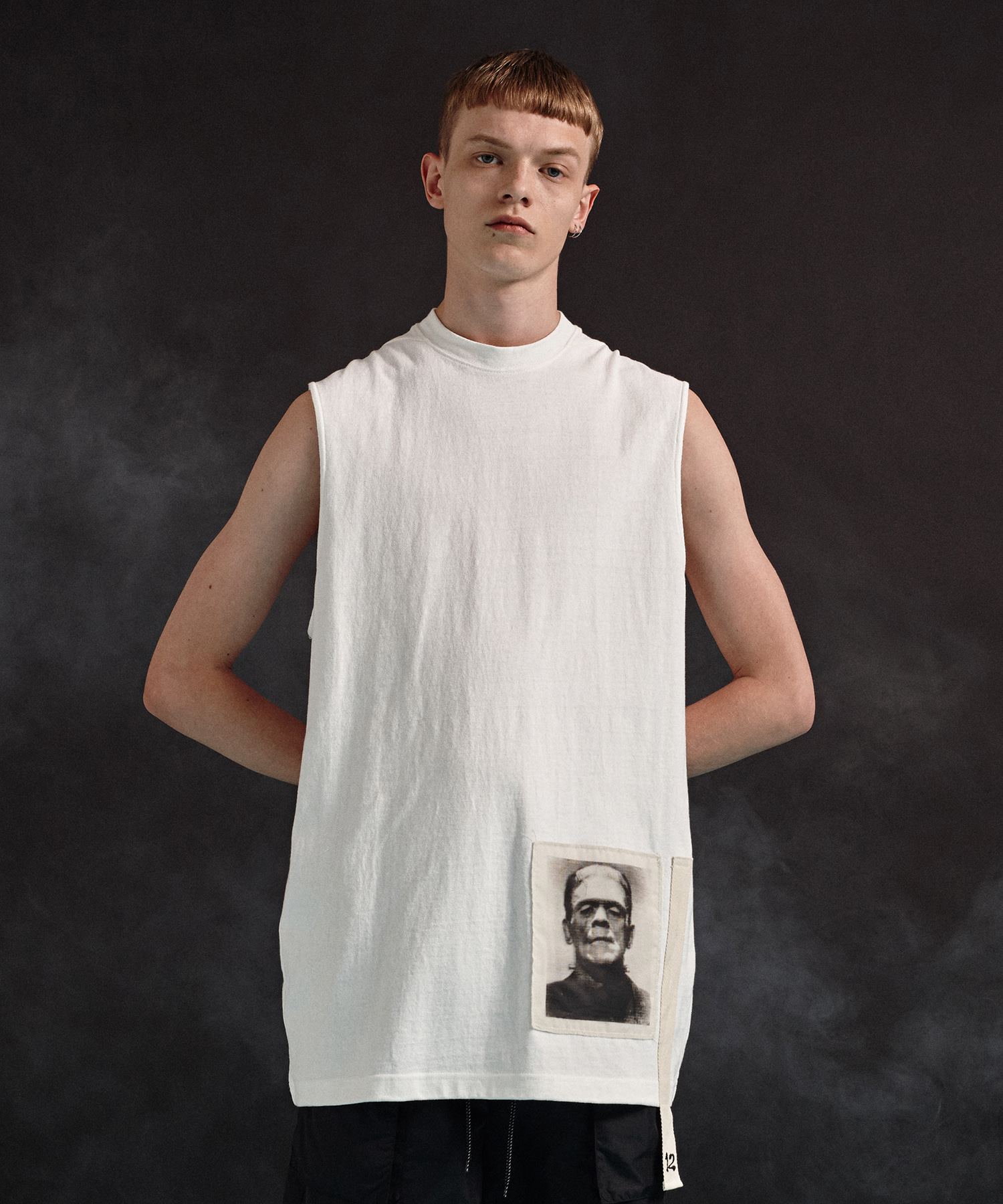 [DGNAK12][30% 세일] Frankenstein Sleeveless T-Shirts (WH)